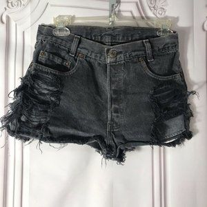 Black Levis Denim Shorts Size 24 high waisted vint